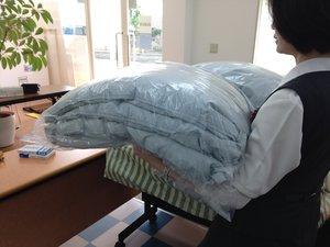 7533_ふとん丸洗い返却後_羽毛布団.JPG